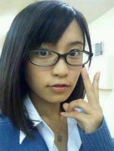 小島瑠璃子 すっぴん画像